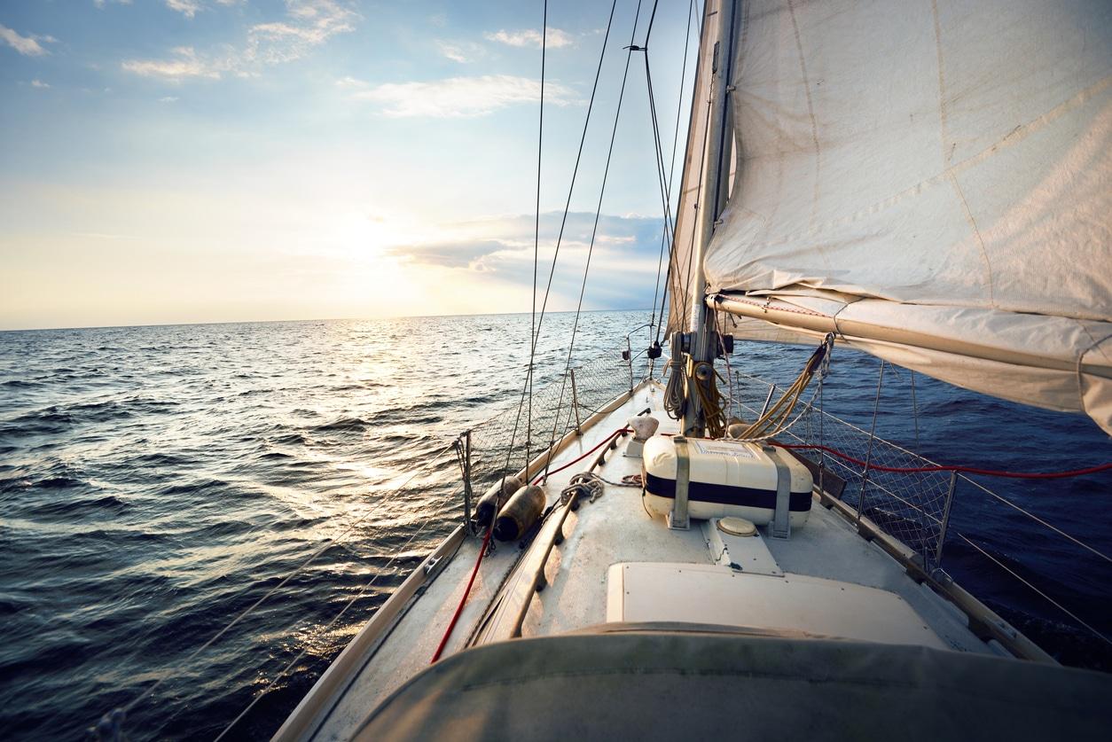 Deux skippers sur un bateau